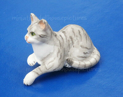 Miniature Dollhouse  Doll House Grey Cat 1:12 Scale New