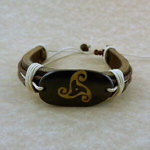 Adjustable Unisex Celtic Triskele Leather bracelet