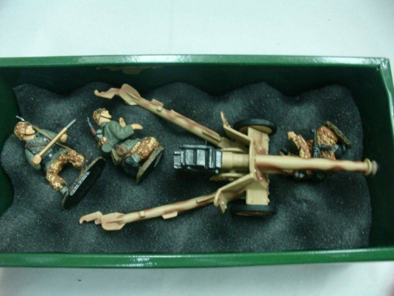 WOW EXTREMELY RARE King & Country WS018 Pak 40+ 3 Waffen SS Crew Stalingrad BNIB