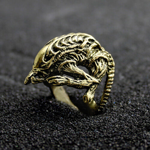 Alien Versus Predator Ring Bronze Coloured AVP Hibernation Size V W U