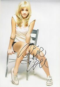 A-12-x-8-inch-photo-personally-signed-by-Singer-Pixie-Lott