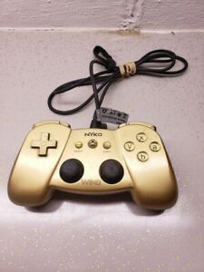 Nintendo-Wii-NYKO-Wing-Wired-Controller-Gold-Wii-remote-Attachment-TESTED