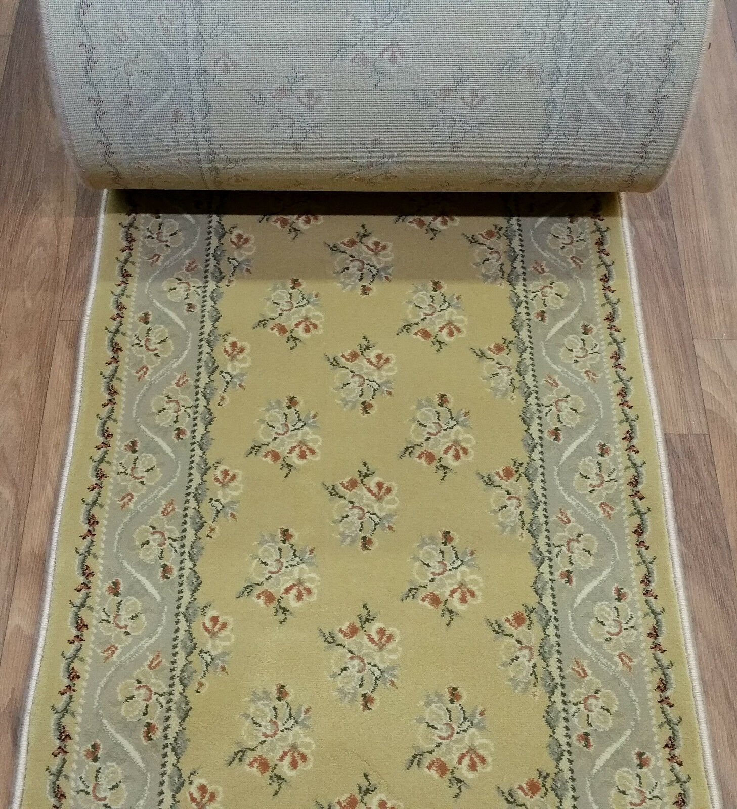 Rug Depot Hall and Stair Runner Remnants - 26  Wide - oro Floral Rug Runner