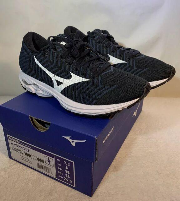 women's waveknit r2 running shoe