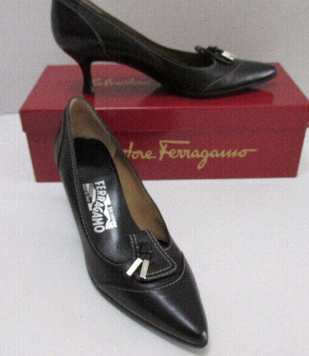 Salvatore Ferragamo  blueE  7AAA Black LEATHER Pointy Toe Top Stitched PUMPS Mint