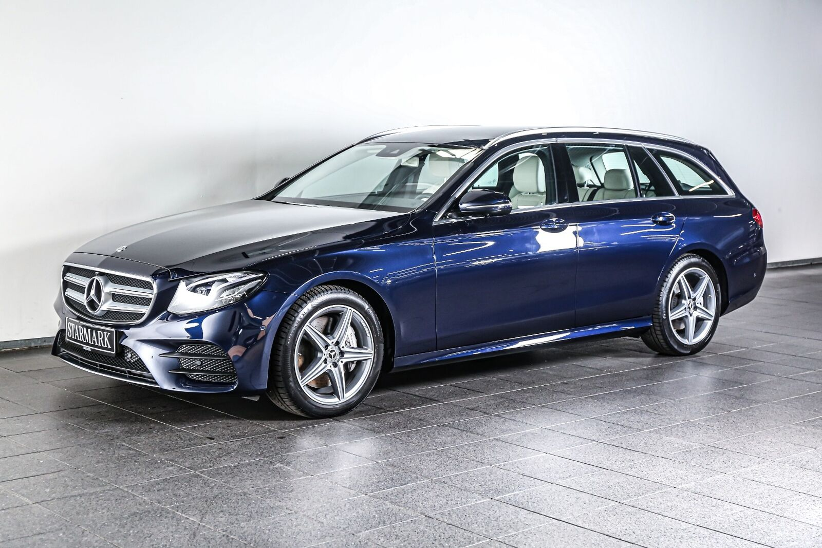 Mercedes E350 d 2,9 AMG Line stc. aut. 5d - 699.900 kr.