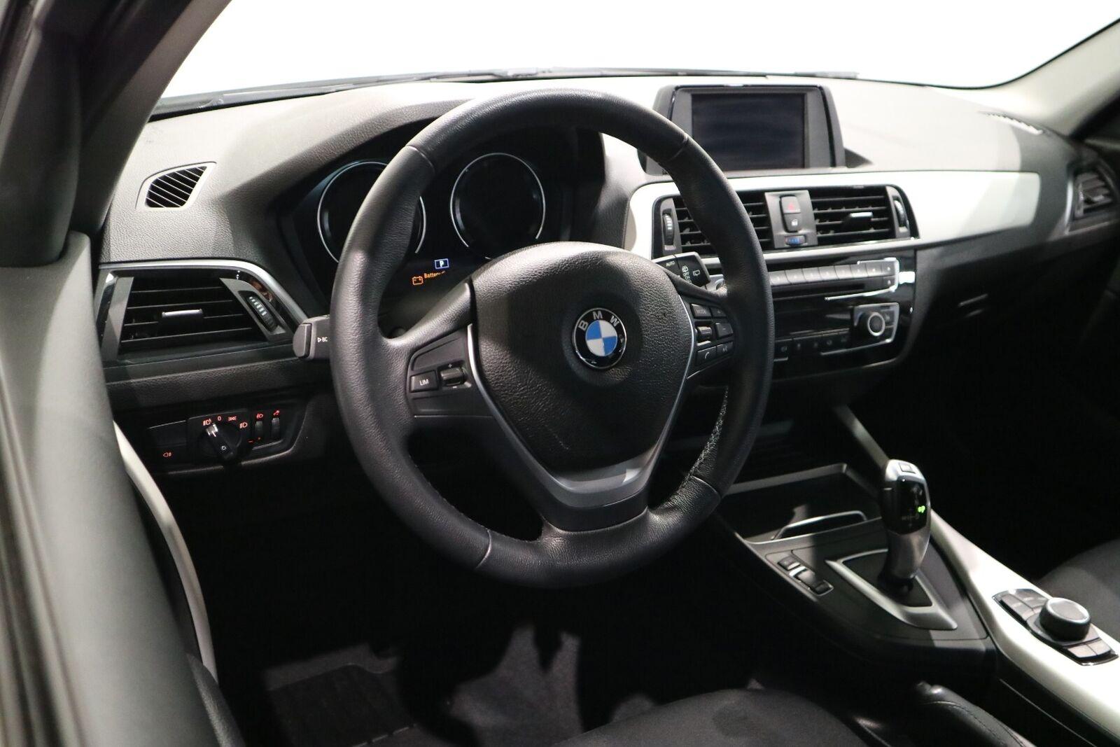 BMW 118i 1,5 Connected aut. - billede 8