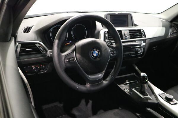 BMW 118i 1,5 Connected aut. billede 8