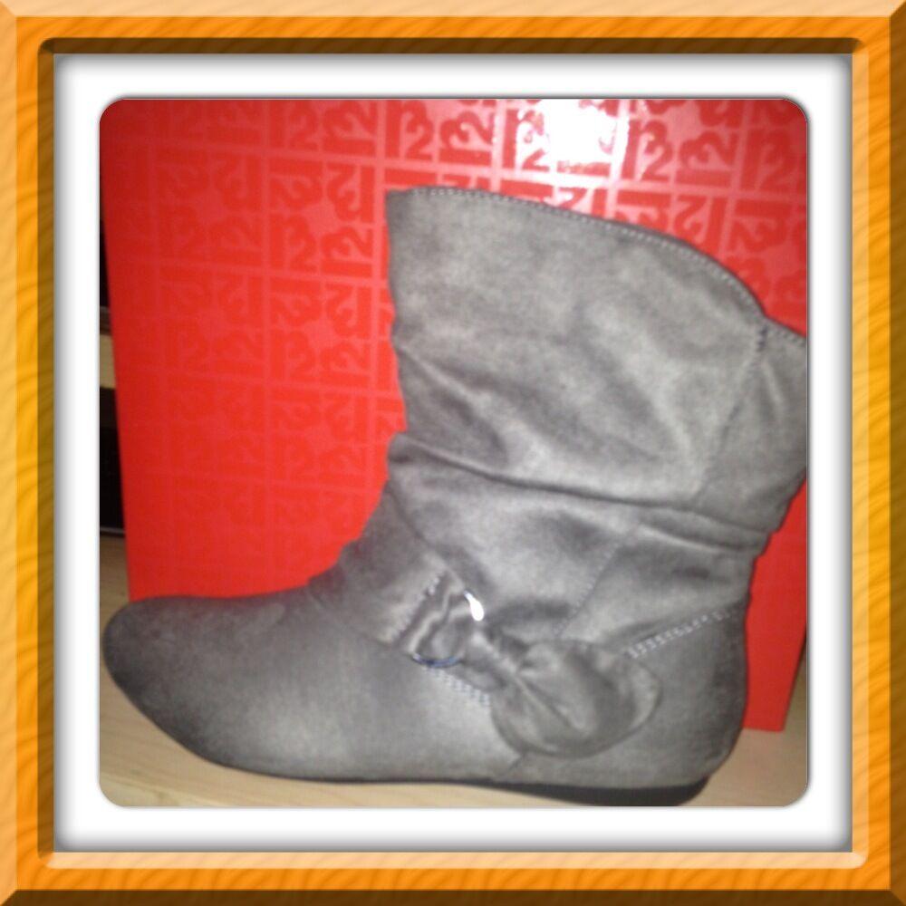 R2 Footwear boots size 6 Roxane