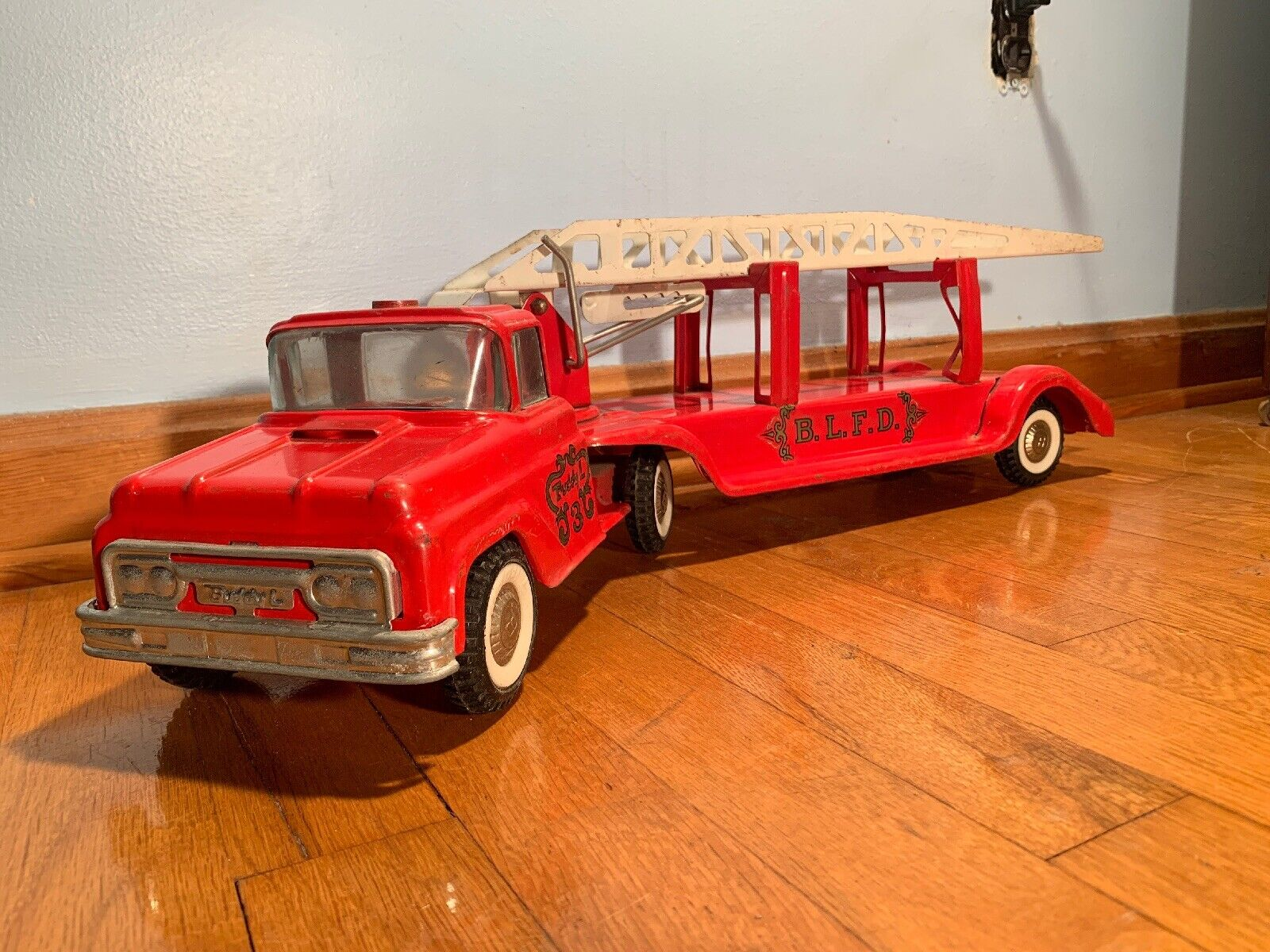 Late 1950s Vintage Buddy L No.3 Ladder Truck
