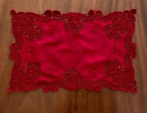 VINTAGE-HAND-EMBROIDERED-LACE-Burgundy-Cotton-TABLE-CENTRE-CLOTH-DOILEY-16x10-5
