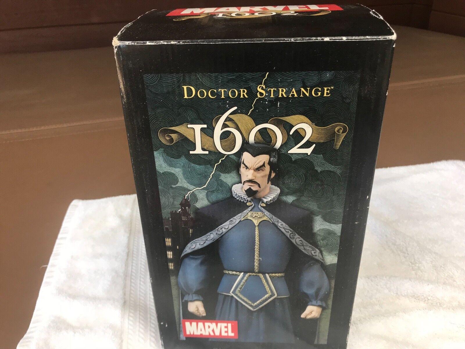 2004 Marvel - Doctor Strange  1602 Statue - NEW