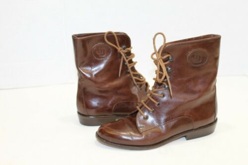 JOAN & DAVID BROWN LEATHER LACE UP ANKLE BOOTS 3/4