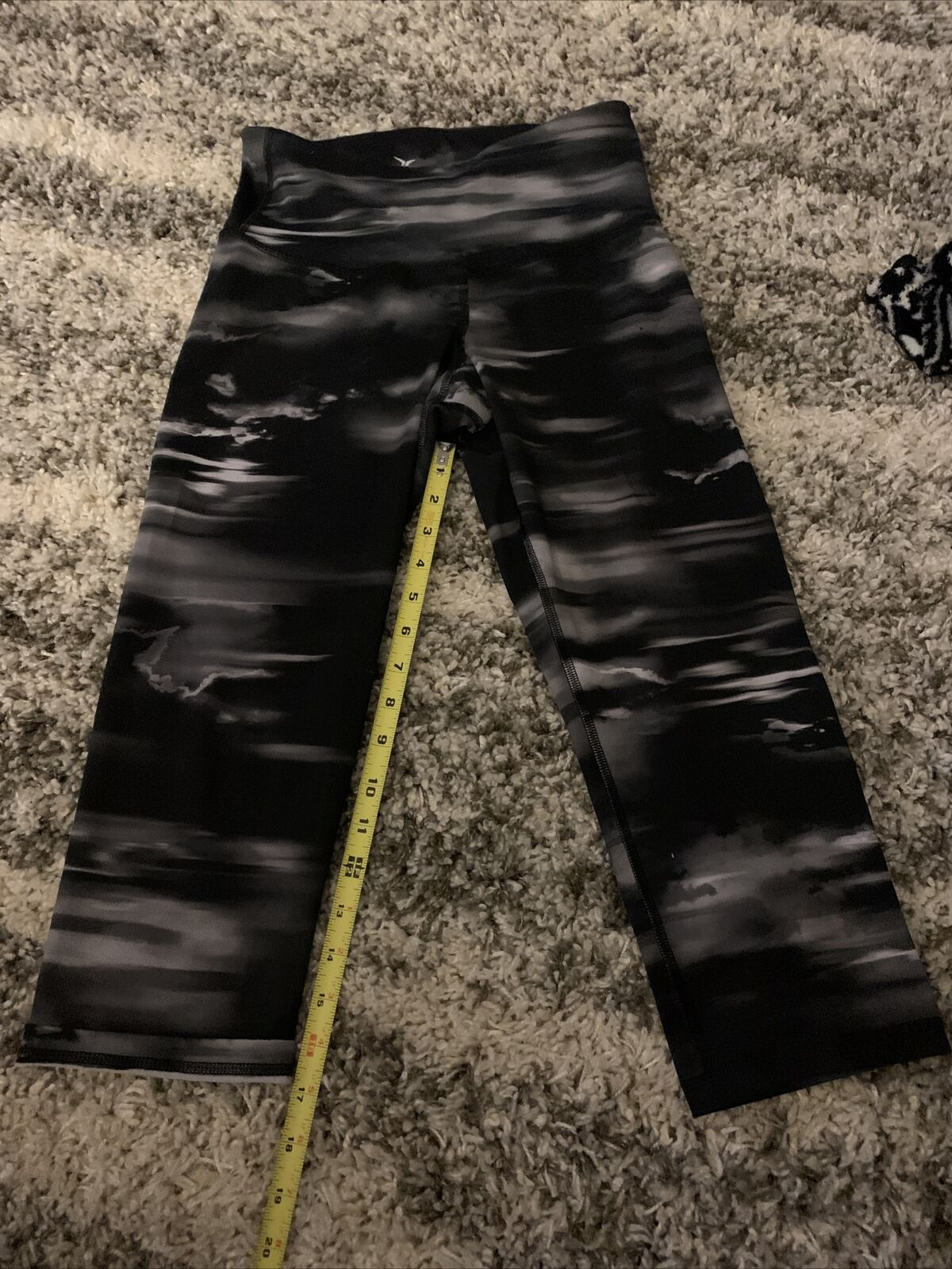 Old Navy Active GO-DRY Capri Yoga Workout Pants Leggings Womens Size M Black
