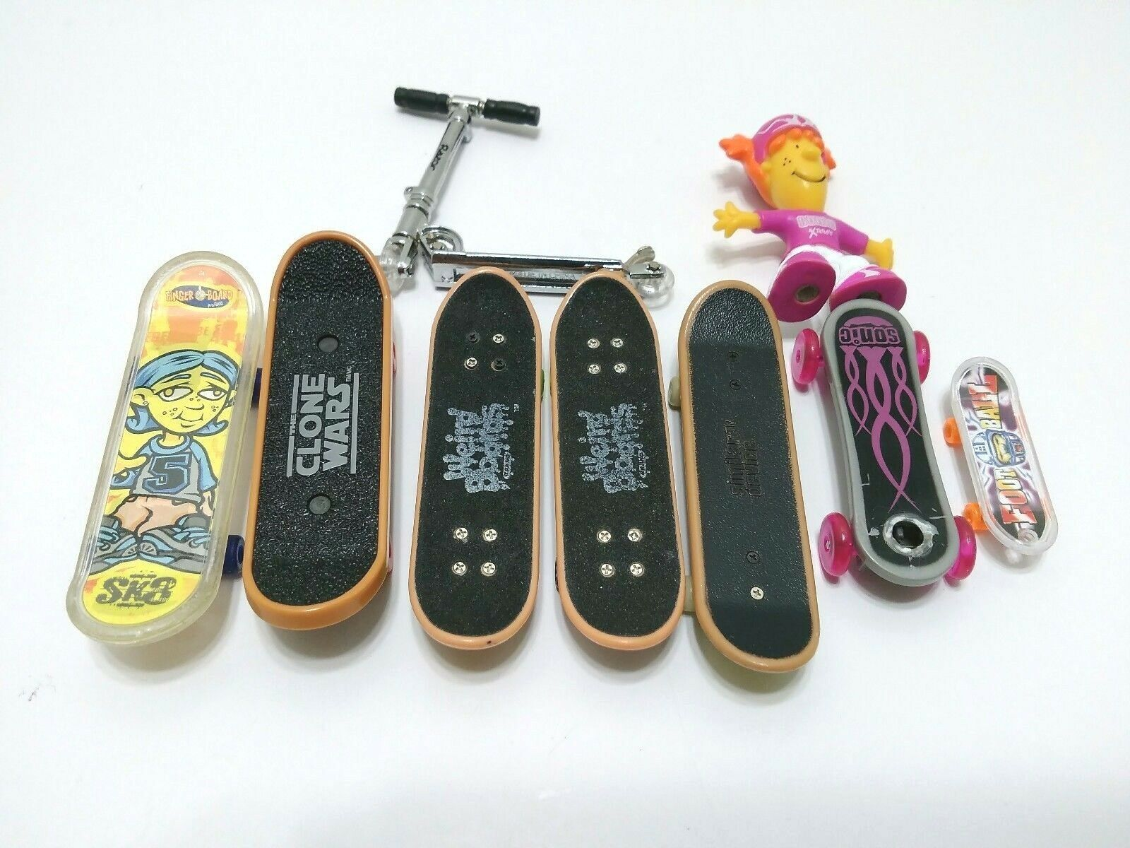 Mini Finger Skateboard Toy Finger Tools Pieces Parts Wheels Cones Lot Scooter
