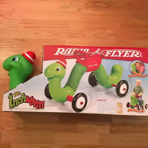 Indoor-Outdoor-Classic-Bounce-and-Go-Ride-on-Inchworm-Kids-Playing-Toddler-Toy