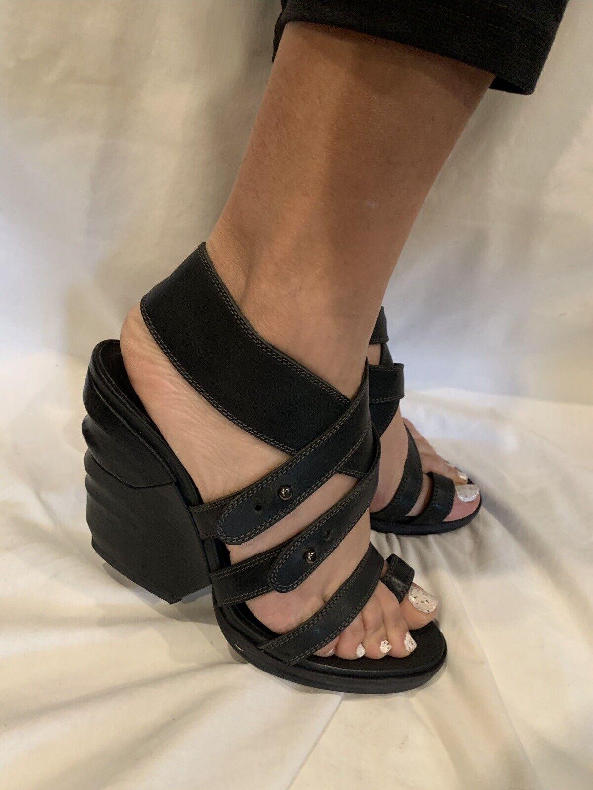 NIB LD TUTTLE black leather sandals The Sharp Coal Size 38  US8M