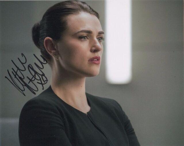 Katie McGrath Supergirl Autographed Signed 8x10 Photo COA #M5