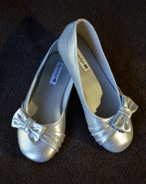 AMERICAN EAGLE Ballet Flats Girl's Size 1 Silver Shoes With Bow Embellishment