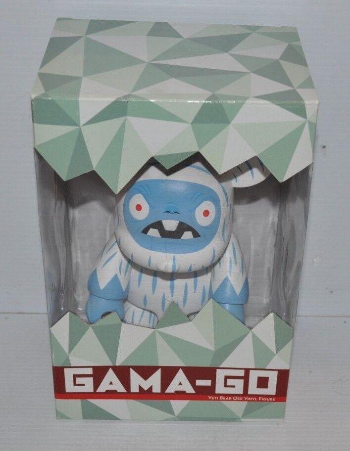 GAMA-GO YETI BEAR Qee Vinyl Figure 9 inch ART TOY Toy2R 2006 - fd
