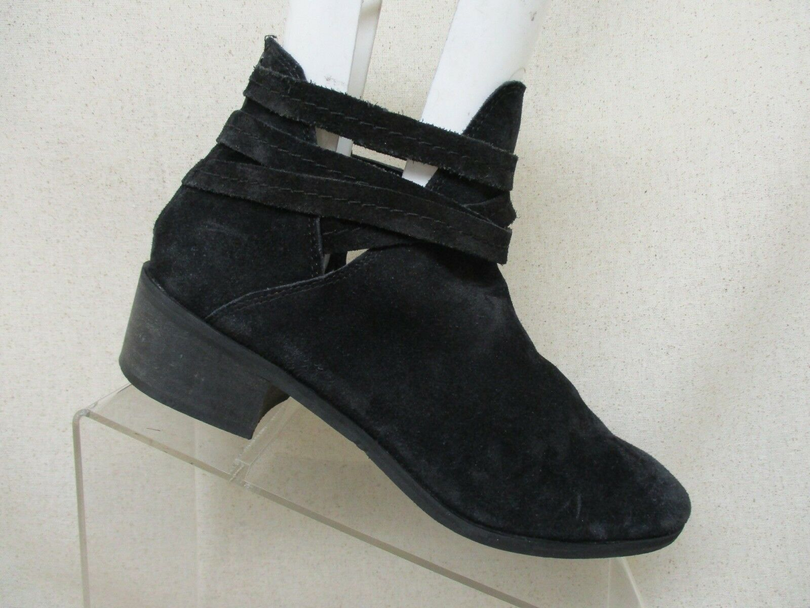 Coconuts by Matisse Black Suede Zip Ankle Fashion Boots Bootie Size 8.5 M