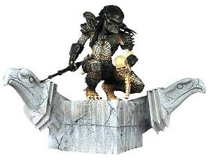 Predator Triomphant Mini-estatua Résine Palisades