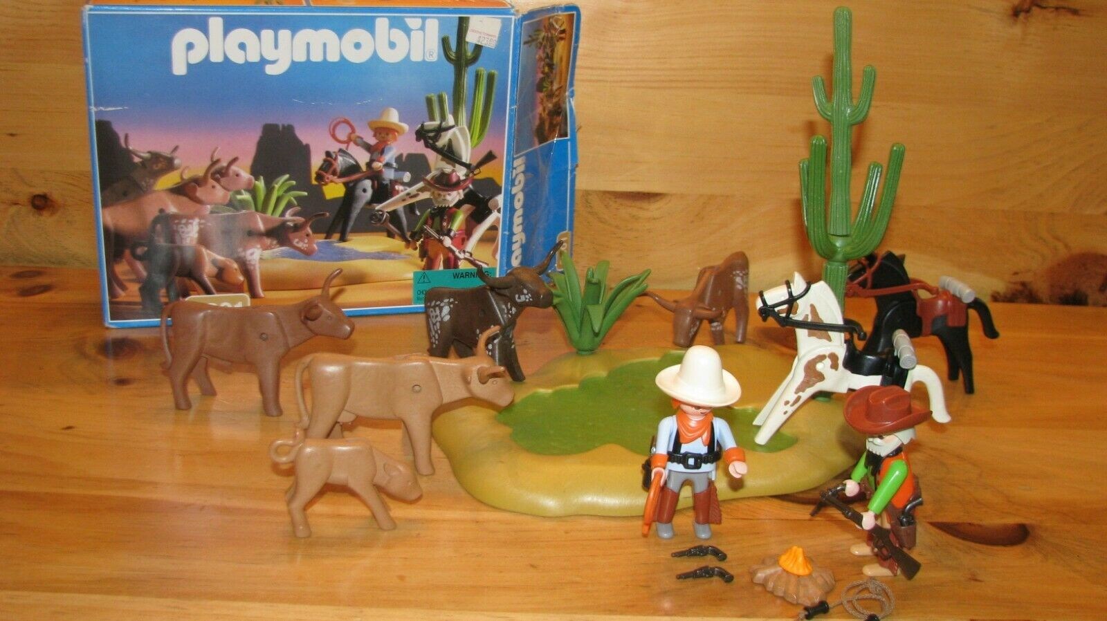 RARE, vintage playmobil  3801 Western water hole set with cattle and cowboys