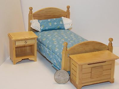 Dollhouse Miniature Oak Single Bed Night Stand /& Chest 1:12  one inch scale E11