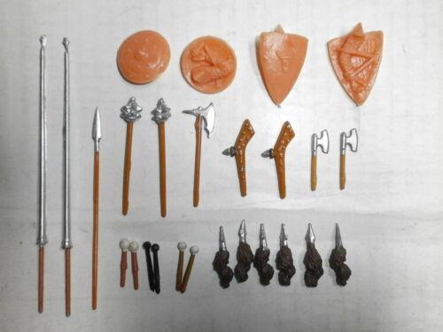 26 Waffen für Elastolin Kunststoff Figuren Landsknechte Ritter Indianer zu 7.5cm