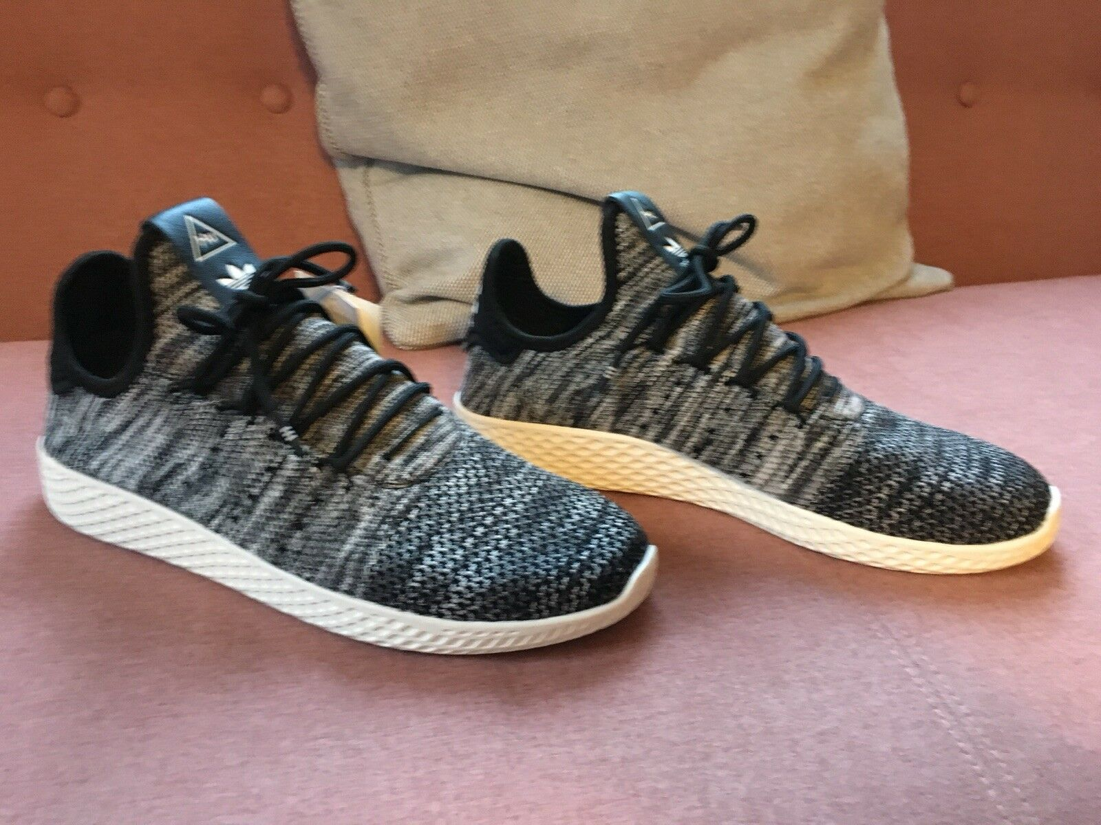 adidas pharrell williams tennis hu PK