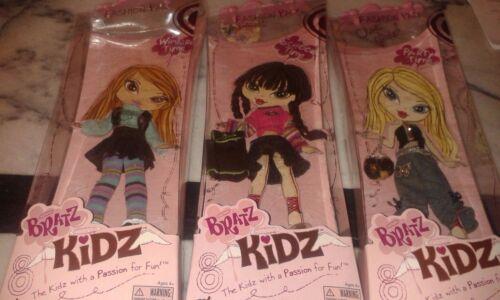 Bratz Kidz Party Winter and school Time Fashion pack Lot of 3 Cloe Jade Yasmin