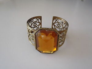 Brass-Bracelet-Cuff-with-Floral-Filigree-Designs-amp-Gem-Detail