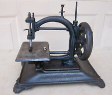 EARLY 1850-1900's ANTIQUE HAND CRANK SEWING MACHINE: