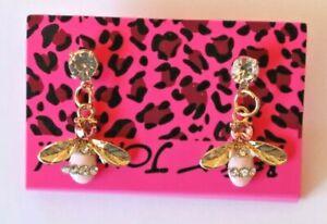 Betsey-Johnson-Crystal-Rhinestone-Enamel-Bee-Post-Earrings