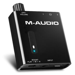 M-AUDIO-BASS-TRAVELER-amplificatore-per-2-cuffie-alimentato-batteria-litio-NUOVO
