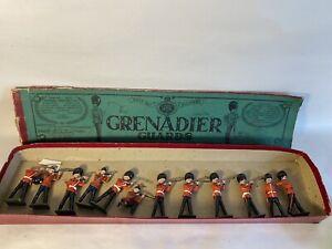 Vintage-W-Britians-No-34-Grenadier-Guards-Set-Of-12-Lead-Soldiers