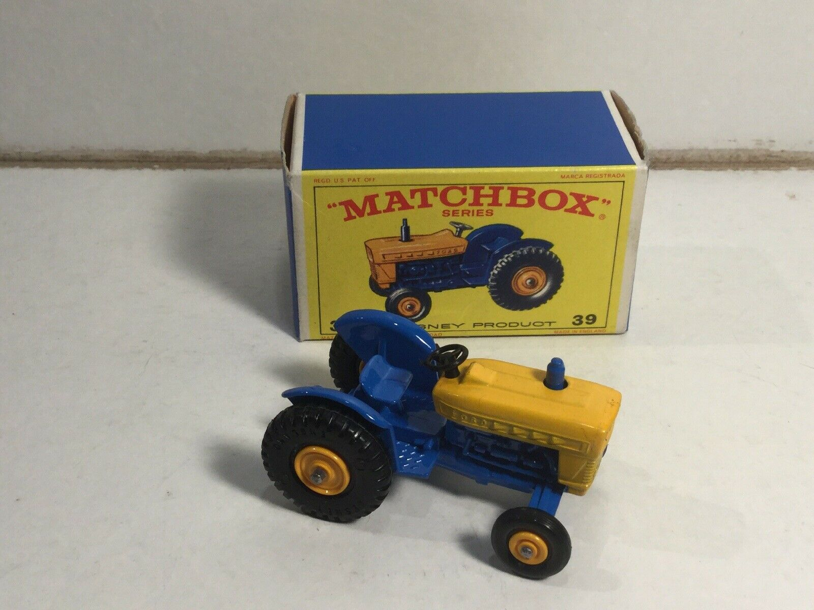 Matchbox No 39 Ford Tractor Very Near Mint Within Its Original Box