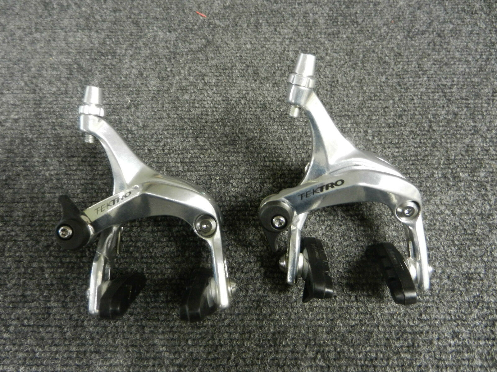 New tectro front and rear set alloy caliper road bicycle brakes