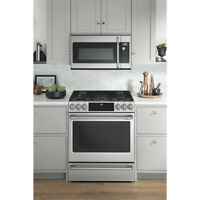 """Café™ 30"""" Slide-In Dual-Fuel Convection Range - Stainless Steel Bedford Halifax Preview"""