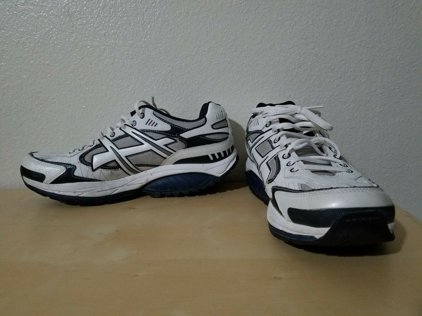 Skechers Shape Ups SRT Walking shoes Men Size 11 Toning Athletic shoes 52041