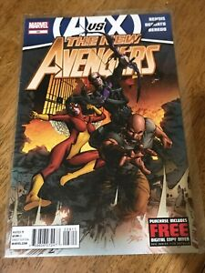 THE NEW AVENGERS COMIC BOOK #28 Marvel 2012