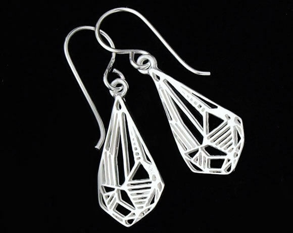 925 Sterling Silver Diamond Design Earrings 10x18mm.