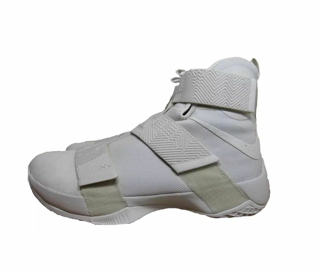 442b8e12f1b0 New Nike LEBRON Soldier 10 10 10 SFG Lux Men s Basketball Shoes Light Bone  911306 001 4e50a8