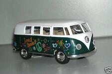 Modellauto 1:32 Volkswagen VW T1 Bus Hippi grün