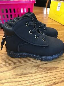 New Toddler Boys Girls size 11 Boots Easy On//Off Lightweight Wonder Nation
