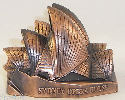 SOUVENIR METAL BUILDING SYDNEY OPERA HOUSE