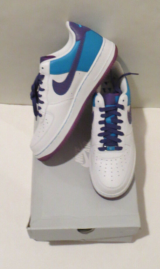MENS NEW IN BOX NIKE AIR FORCE 1 '07 WHITE VARSITY PURPLE LSR blueE SIZE 10.5