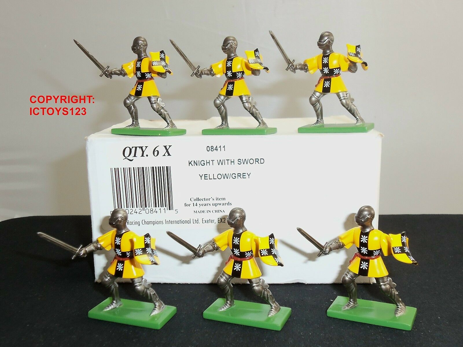 BRITAINS 08411 6 YELLOW GREY FOOT KNIGHTS METAL TOY SOLDIER FIGURES + TRADE BOX