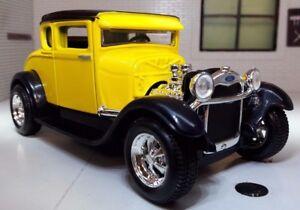1-24-Scala-Giallo-1929-Ford-Modello-A-Hot-Rod-Su-Misura-Woody-Modellino-31201