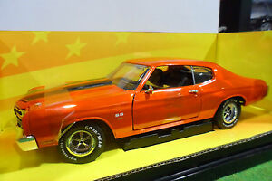 CHEVROLET-CHEVELLE-SS-454-orge-1-18-AMERICAN-MUSCLE-ERTL-32242-voiture-miniature